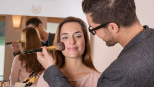 Dr. Hauschka Tips from international make-up artist Karim Sattar