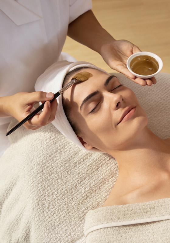 Reinigung bei unreiner Haut von Dr. Hauschka