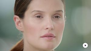 Dr. Hauschka Tutorial: Definierte Augenbrauen